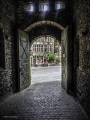 Entrance of Gravensteen (Luc V. de Zeeuw) Tags: belgium gent gand vlaanderen oostvlaanderen vlaamsgewest