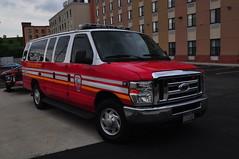 Metropolitan Fire Van (Triborough) Tags: nyc newyorkcity ny newyork ford mfa firetruck travis fireengine van statenisland econoline richmondcounty eseries e350 metropolitianfireassociation
