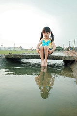 Silent Time ( aikawake) Tags: life baby reflection water wonderful children countryside kid silent child play image country daughter taiwan happiness enjoy inverted ricohgr taiwanese quietness