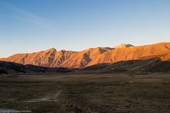 Gran Sasso - Sunset (Vicente Mavares) Tags: gransasso sunset tramonto paesaggio allaperto laquila aq montagna natura nature sole