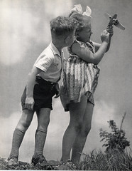 1954 Kinderen & Camera (Steenvoorde Leen - 2.7 ml views) Tags: kinderen kids jongen boy girl 1954 bambino child nino enfants bombini