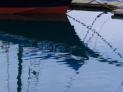 "Reflection of ""Woniya"" (Ramona H) Tags: reflection water woniya boat marina dock bow capsantemarina anacortes tommythompsontrail"