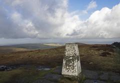 Shining Tor (Mike Serigrapher) Tags: goytvalley peakdistrict shining tor cheshire trig point triangulation pillar