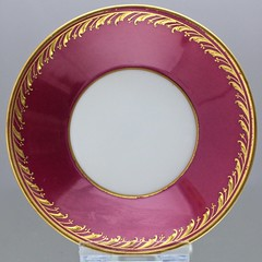 KPM, Berlin, Mokkatasse, Moccatasse, espressotasse, Rot, Reliefgold, Jugendstil, demi tasse, cup (Kabelitz Porzellan) Tags: kpm berlin mokkatasse moccatasse espressotasse rot reliefgold jugendstil demitasse cup saucer raisedgold red ruby purple rouge gold art nouveau stile liberty zylindrisch royal kabelitzporzellan christophkaiser фарфор 磁器 porcelaine porcellana 欧洲瓷器 ヨーロッパの磁器 ドイツ磁器 マイセン 迈森 古董 骨董品