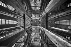 Plüschow b&w 3 (rainerneumann831) Tags: wismar stgeorgen kirche lookup blackwhite linien architektur mecklenburgvorpommern