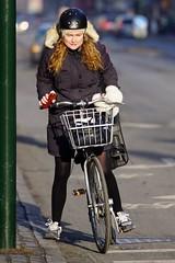 On your marks, get set, go! (os♥to) Tags: sony alpha77ii a77ii ilca77m2 january2017 bike bicycle cykel fahrrad bici vélo velo bicicleta fietssykkel rower street candid streetphotography people