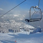 chairlift-with-view-down-to-morzine