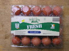 Aldi Healy's Farm 20 Large Eggs @3.50 20072015 03-07-2015 (Lord Inquisitor) Tags: brown farm eggs hen aldi eggcarton healys heneggs