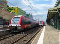SNCF 27872 en 27757 op station Perpignan (Allard Bezoen) Tags: station train de gare z perpignan trein sncf cerbre ter 27500 27757 27872 z27500