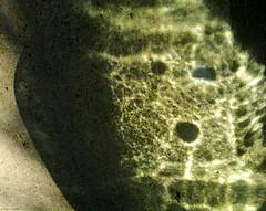 light abstract luz glass mobile pareidolia bottle glow... (Photo: Aviones Plateados on Flickr)