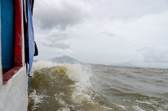 DSC_7059_LR (CharlieBro) Tags: 2016 centroamerica lagonicaragua nicaragua ometepe volcánconcepción bigwaves boat ferry island isola lago lake nave onde volcano vulcano