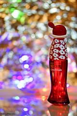 Un día de  Reyes sin un perfume no serían Reyes. (MaryPazSL) Tags: perfume bokeh sony desenfoque rojo flickr happynewyear moschino olivia merrychristmas fragrance flickrfriday seethrough