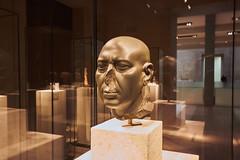 Der grüne Kopf im neuen Museum (Basel101) Tags: berlin museum ägypten alteägypter hochkultur spass erholung museumsinsel berlinmitte ausstellung hieroglyphen pharao nil