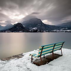 Bienvenue au spectacle (flo73400) Tags: banc bench landscape lacdannecy lake hautesavoie france alpes le longexposure poselongue