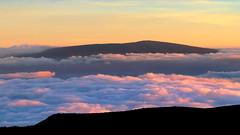 From Mauna Kea to Mauna Loa (PeterCH51) Tags: hawaii bigisland maunakea maunaloa volcano mountain sunset clouds scenery landscape evening light peterch51