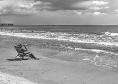 Drinking at work. (Bebiendo en el trabajo). (Samuel Santiago) Tags: beach digital sitting florida drinking surfing flaglerbeach canonef1740mmf4l canon5dmkii topazbweffects