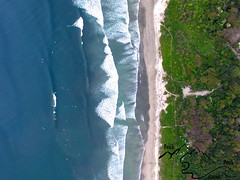 Bird's eye beach break (peaktopeakphotography) Tags: drone playaguiones guiones beach beachbreak costarica birdseye birdseyeview nature waves puravida surf surfing surfphotography ocean swell