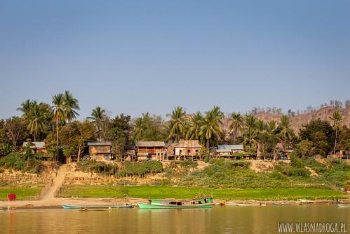 Brzeg rzeki Chindwin