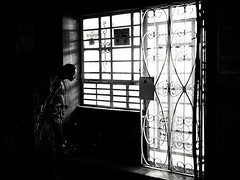 On the street in Havana / Sur la rue à La Havane (eric_demers) Tags: blackdiamond streetphotography street cuba blackwhite havana streetphoto picoftheday natgeotravel voyage streetphotographer akeeper noiretblanc monochrome travel natgeo bestshot dailylife bw noirblanc blackandwhite favorite urbancontrasts mono