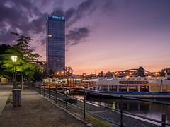 Treptower Hafen (berlin-belichtet.de) Tags: park sunlight berlin germany ship cityscape sundown ships olympus treptowerpark epl5