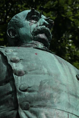"Bismarck im Hiroshima-Park (03) • <a style=""font-size:0.8em;"" href=""http://www.flickr.com/photos/69570948@N04/18716234011/"" target=""_blank"">Auf Flickr ansehen</a>"