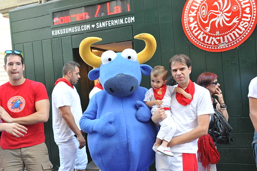 """SAN FERMIN 2015 13 • <a style=""""font-size:0.8em;"""" href=""""http://www.flickr.com/photos/39020941@N05/19479968720/"""" target=""""_blank"""">View on Flickr</a>"""