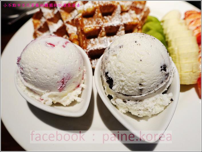 新村梨大 waffle it up cafe (12).JPG