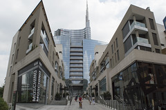 (Astralh) Tags: road street city italy milan building milano edifici