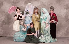 The Women of the Haunted Mansion 02 (ittoku.lee) Tags: model san comic sandiego cosplay diego center disney cc sd convention masquerade cosplayer comiccon con hauntedmansion sdcc 2015