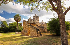 Mission Concepcin - San Antonio, Texas (Andrea Moscato) Tags: blue shadow sky usa white west tree brick green history church nature field grass clouds america us nationalpark ruins nuvole unitedstates stones ombra vivid natura historic national cielo western np albero statiuniti andreamoscato