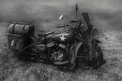 U.S. Military Motorcycles 1942 Harley Davidson (Klaus Ficker --Landscape and Nature Photographer--) Tags: motorcycles harleydavidson us military usmilitary usa kentucky carshow lexington kentuckyphotography klausficker canon eos5dmarkii bw black white photoshop nik milfharley