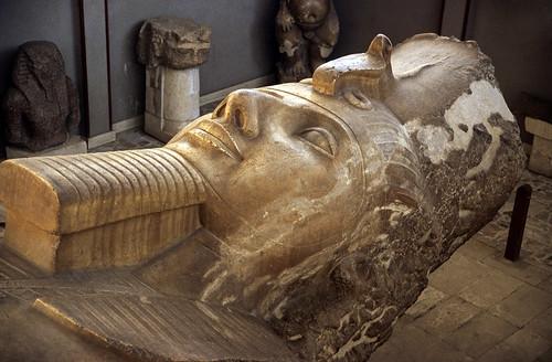 "Ägypten 1999 (590) Kairo: Ramses II.-Kolossalstatue, Memphis • <a style=""font-size:0.8em;"" href=""http://www.flickr.com/photos/69570948@N04/31628294880/"" target=""_blank"">View on Flickr</a>"