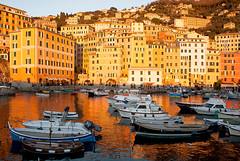 Camogli al tramonto (robertar.) Tags: barche tramonto sunset liguria camogli italia italy water riflessi