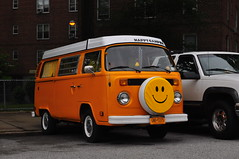 Happy Camper (Triborough) Tags: nyc newyorkcity ny newyork car vw volkswagen van statenisland camper type2 richmondcounty  emersonhill