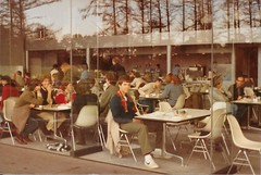 Disappearing walls (cohodas208c) Tags: dan architecture restaurant cafe uea 1978 starchitect sainsburycentre nornanfoster