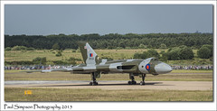 Vulcan XH558 on the ground (Paul Simpson Photography) Tags: beauty plane airplane image deltawing images aeroplane british bomber doncaster robinhoodairport photosof vulcanbomber imageof photoof nuclearbomber imagesof sonya77 paulsimpsonphotography june2015 vforcetour