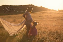 Maternity Gold (Channonwilliamson_photography) Tags: portrait woman canon outdoor pregnant belly maternity fabric 5d flowing sibling mummy goldenhour expecting flowingfabric channonwilliamsonphotography