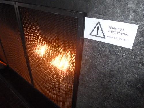 Le feu, c'est chaud. Montréal, Québec
