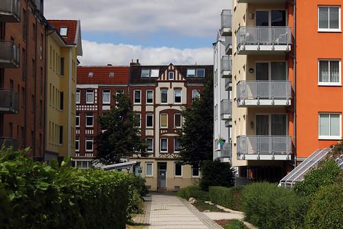 "Zwischen Wiker und  Knorrstraße (02) • <a style=""font-size:0.8em;"" href=""http://www.flickr.com/photos/69570948@N04/19973525975/"" target=""_blank"">View on Flickr</a>"