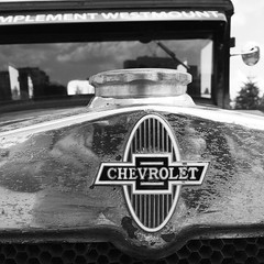 #chevrolet #old #car #closup #metalic #nickel #thirties #universal #AD #series #1930 #chevy (i Catch) Tags: square squareformat inkwell iphoneography instagramapp uploaded:by=instagram