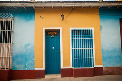 Cuba - Streets of Trinidad (Cyrielle Beaubois) Tags: 2016 cuba cyriellebeaubois décembre trinidad carribeans caraïbes streets colors yellow blue