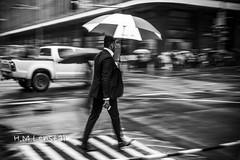 L1156783 (H.M.Lenßtalk) Tags: leica m9 summilux 50mm f14 oz aussie street australia australian sydney summiluxm 50 14 black white people urban life city 11450 asph