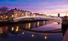 Ha'penny Bridge at Dawn (BOCP) Tags: hapennybridge river liffey reflection mirrorimage quays bachelorswalk dublin ireland dawn morning sky clouds city cityscape urbanlandscape architecture travel water wideangle longexposure sunrise