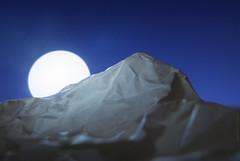 Moon behind Everest (LUSEJA) Tags: luseja argentina canon parana powershot entrerios s5is hmm everest