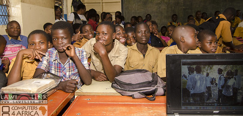 "Chilaweni school Blantye Malawi • <a style=""font-size:0.8em;"" href=""http://www.flickr.com/photos/132148455@N06/17953656773/"" target=""_blank"">View on Flickr</a>"