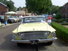 1962 Dodge Dart (Davydutchy) Tags: auto usa holland classic netherlands car automobile otto vehicle dodge paysbas dart friesland oldtimershow klassiker frysln vetern automobiel stnicolaasga sintnyk stnyk sintnicolaasga