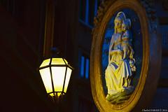 Madonnina e luce (charbelfarah777) Tags: maddona luce pietà popolare religione gesù bambino roma italia quadri urbani