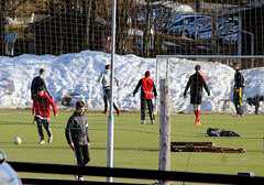 Football (Linnea from Sweden) Tags: canon eos 1100d efs 55250mm 456 is football spring snow people