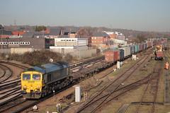 Freightliner diesel loco 66525 Eastleigh (jc_snapper) Tags: class66 freightliner emd train railway diesellocomotive dieselloco locomotive vlok containertrain freighttrain southwesterndivision southernregion