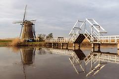 Kinderdijk (uw67) Tags: holland windmühle unesco südholland refelction reflektionen brücke windmill brigde dordrecht weltkulturerbe kinderdijk